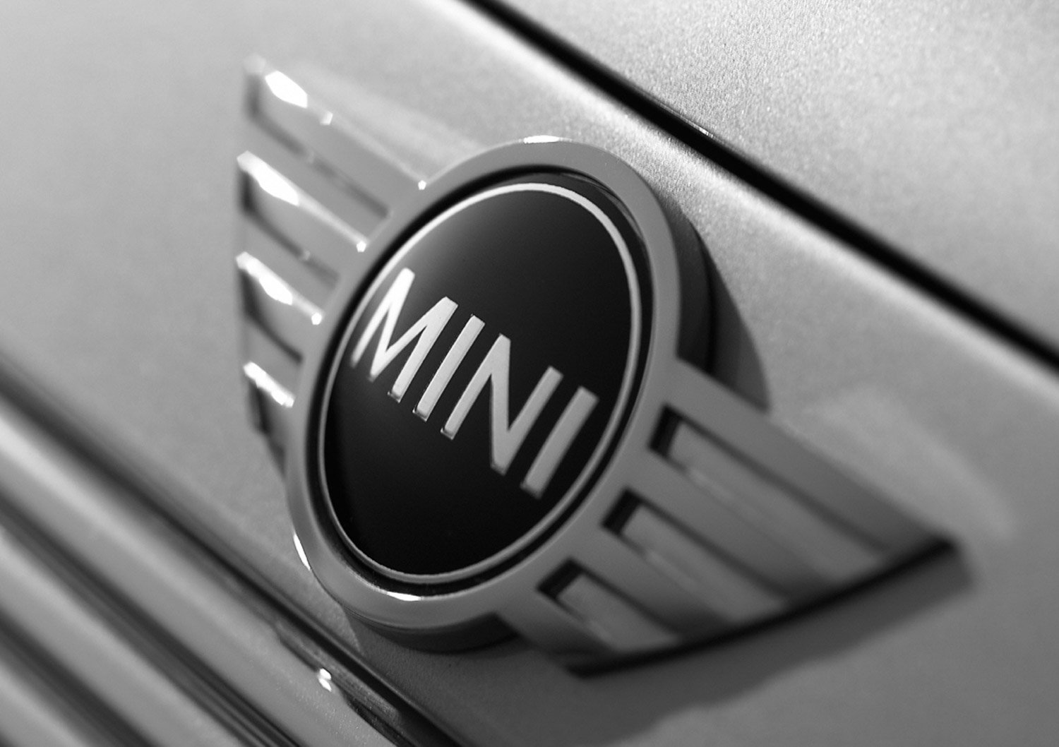 027_Mini_badge